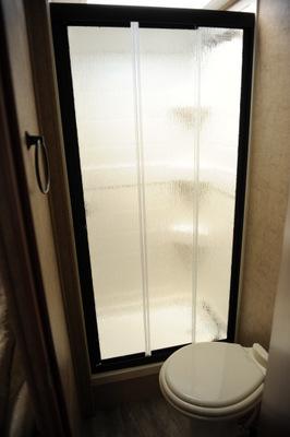 400Pixels24BAthroom (1)